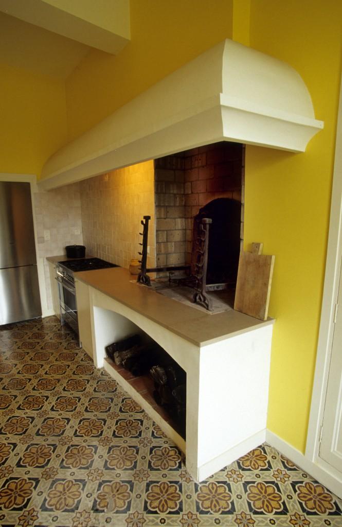 Château - cheminée cuisine