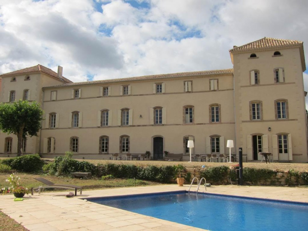 chateau de caraguilhes piscine